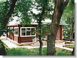Бревенчатый домик для отдыха в Геленджике